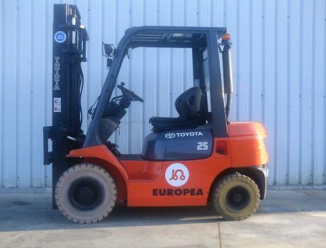 Carretilla Diesel Industrial TOYOTA 62-7FDF25