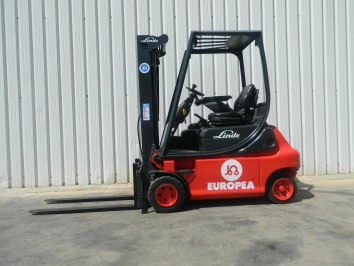 Carretilla Electrica 4 ruedas LINDE E20P-02