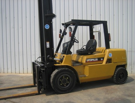 Carretilla Diesel Industrial CATERPILLAR DP50K2-MC