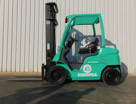 Carretilla Diesel Industrial MITSUBISHI FD25N-MC