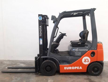 Carretilla Elevadora Diesel TOYOTA 02-8FDF15