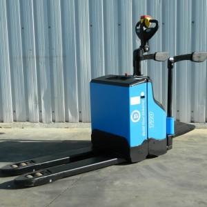 transpalet-electrico-con-plataforma-byd-ptp20h